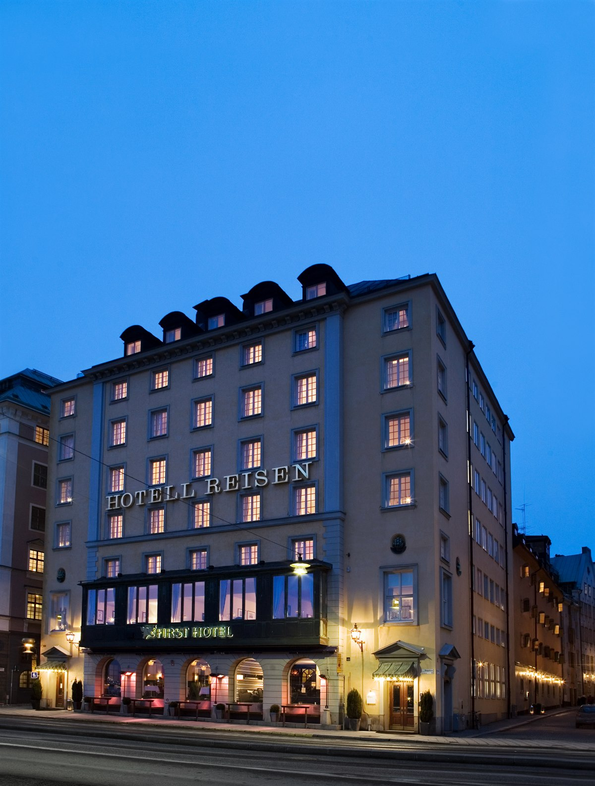 Hotel stockholm first hotel reisen in the old town for Hotel stockholm